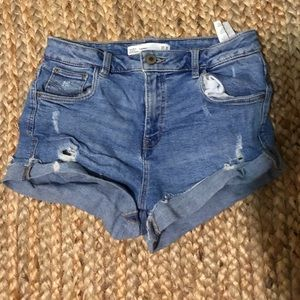 Zara denim shorts size 4